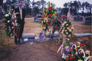 grave2002